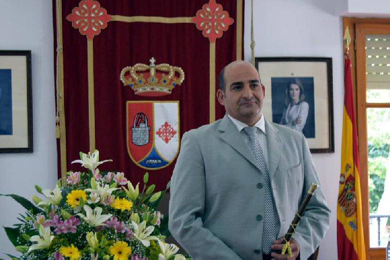 Julian Triguero Calle, toma de posesion como alcalde de Pozuelo de Calatrava