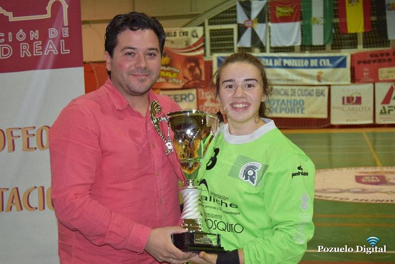 el-bm-pozuelo-de-calatrava-juvenil-femenino-se-lleva-el-trofeo-diputacion-de-balonmano-2016