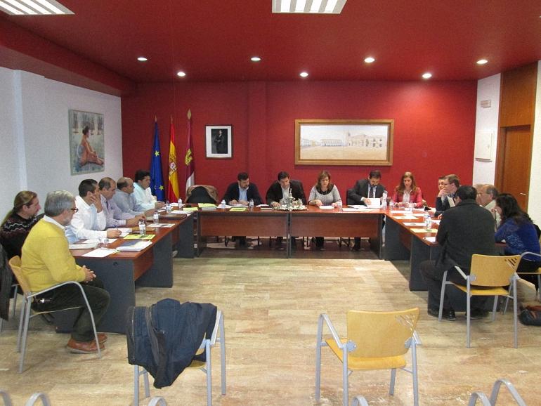 Campo de Calatrava La Mancomunidad aprueba la renovación de maquinaria para el mantenimiento de los caminos rurales