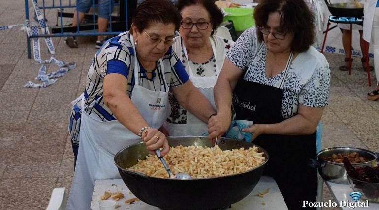 Pozuelo de Calatrava con la tradición de sus platos típicos y los bailes regionales