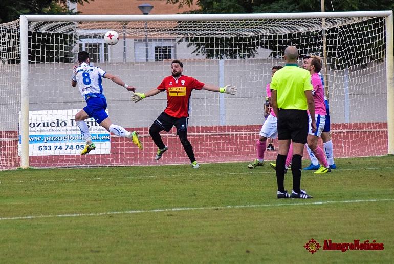 El Miguelturreño vence en el derby frente al Manchego y suma la primera victoria en Tercera División