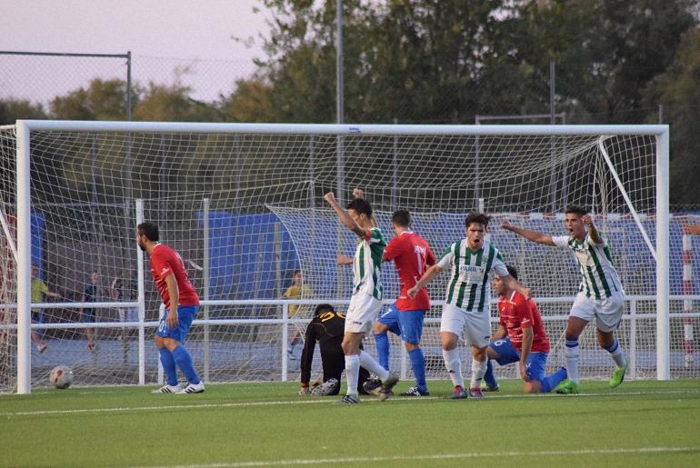 El Pozuelo CF sigue con los partidos de pretemporada que ayer le enfrentó al CF Bolañego