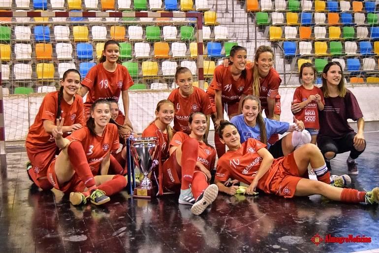 Almagro Nuevo hat trick de María Téllez que vale un trofeo