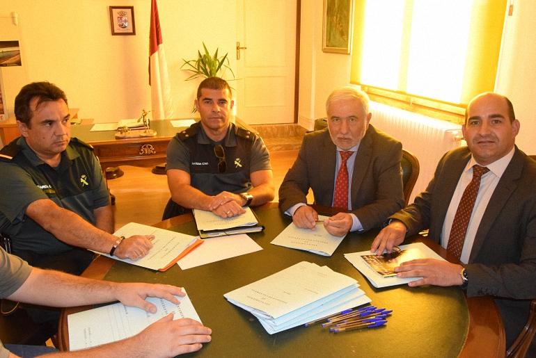 Pozuelo de Calatrava Este mediodia se ha reunido la Junta Local de Seguridad con el Subdelegado del Gobierno Juan José Jiménez