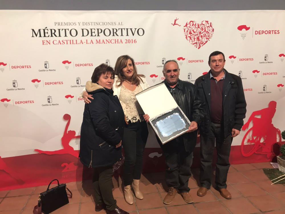 Placa al Merito Deportivo al Club BM Pozuelo de Calatrava