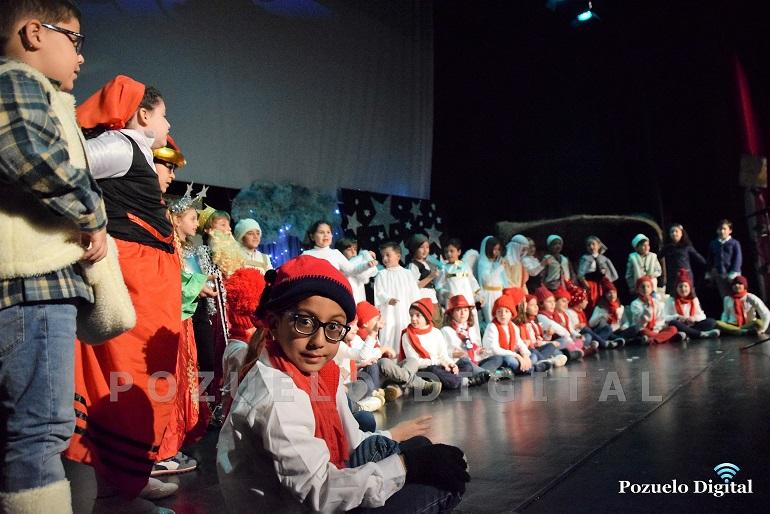 Pozuelo de Calatrava El Colegio Público recibió la Navidad con un Festival de Teatro y Villancicos