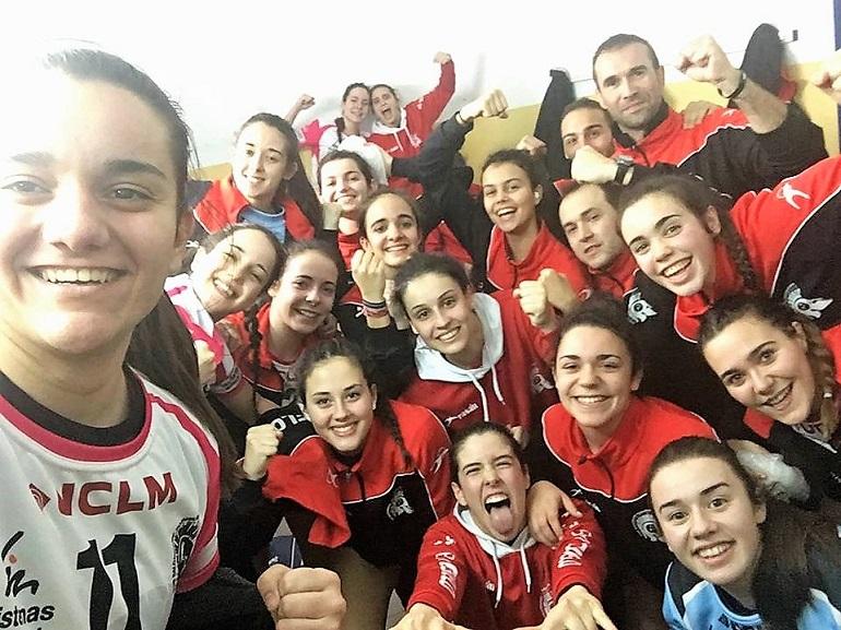 El Soliss BM Pozuelo golea en Fuerteventura y consolida la tercera plaza de la clasificación