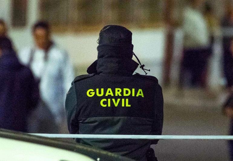 Bolaños La Guardia Civil detiene a 18 personas acusados de trata de seres humanos con fines de explotación laboral.