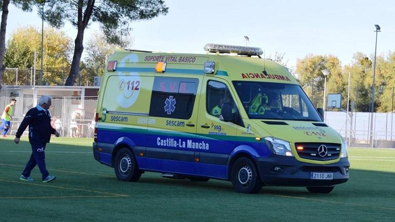 Jesús Tejero del Pozuelo CF fue evacuado en ambulancia hasta el Hospital de Ciudad Real tras un golpe fortuito