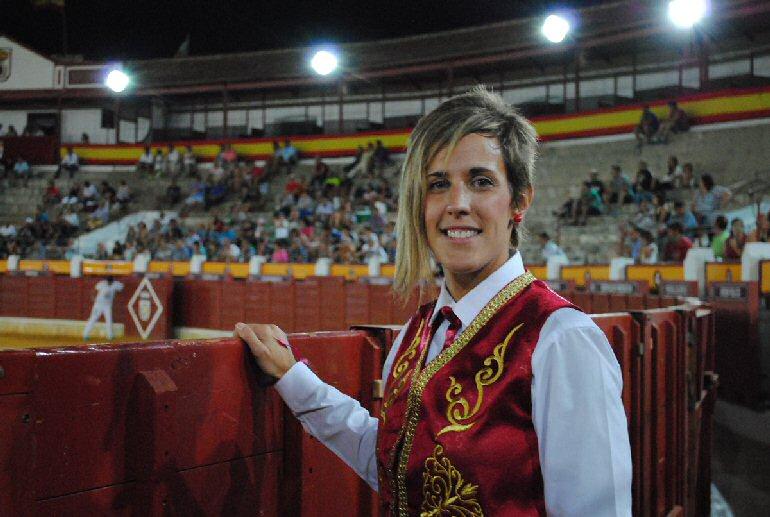 """Almagro-Miriam-García-""""La-Santiaguita""""-se-presenta-ante-su-afición"""