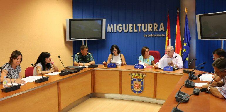 Miguelturra-Reunión-de-la-Junta-Local-de-Seguridad-para-coordinar-todos-los-recursos-de-seguridad-para-las-fiestas
