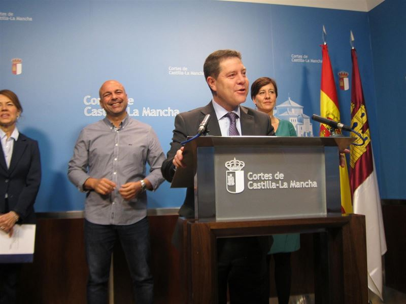 Castilla La Mancha dará ayudas de 150 euros, dentro del Plan de Pobreza Energética, y la paralización del corte del suministro a aquellas familias que no puedan hacer frente al recibo de la luz