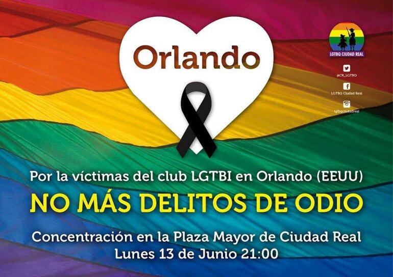 Ciudad Real El Colectivo LGTBQ convocó ayer tarde una concentración en la Plaza Mayor en repulsa a la masacre de Orlando