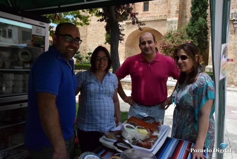 Julian Triguero visita el Mercado Artesanal de Pozuelo de Calatrava