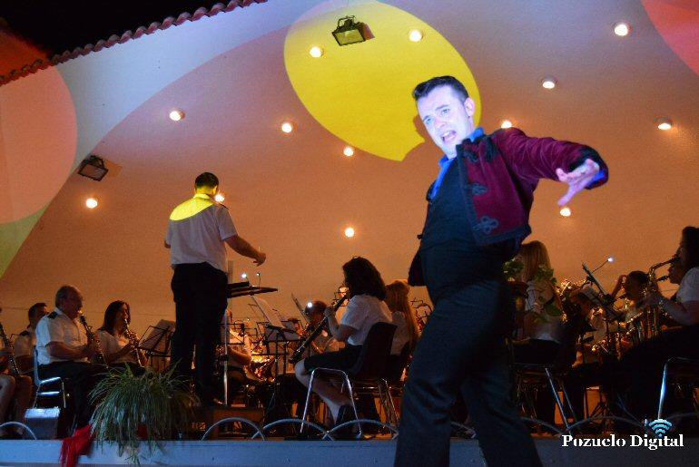 Pozuelo de Calatrava José Carlos Ledesma y la Agrupación Musical José Gracia Sánchez pusieron el broche final a las Feria y Fiestas 2016