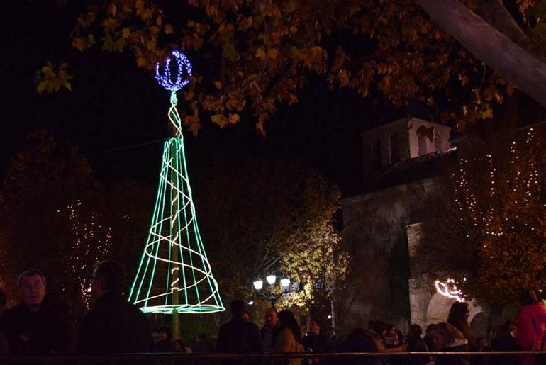 pozuelo-de-calatrava-inaugurara-oficialmente-la-navidad-este-sabado-con-el-encendido-de-luces-en-la-plaza-de-espana