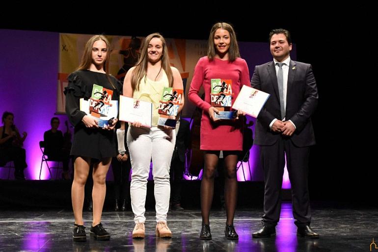 Noelia Delfa y el Club Balonmano Pozuelo de Calatrava premiados en la XXII Gala Provincial del Deporte de la Diputación Provincial de Ciudad Real