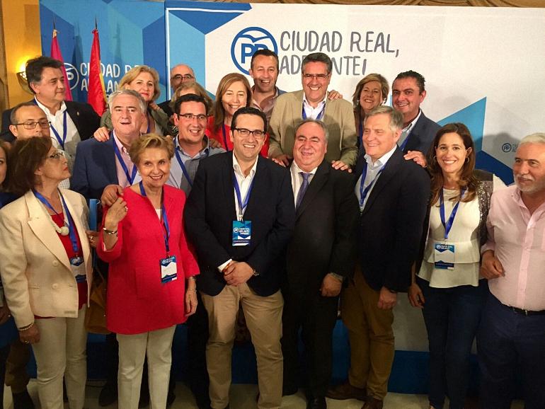 Ciudad Real Francisco Cañizares elegido por aclamación nuevo presidente provincial del Partido Popular