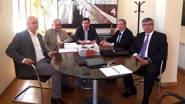 La Asociación del Campo de Calatrava se interesa por el estado actual de las negociaciones del Aeropuerto de Ciudad Real