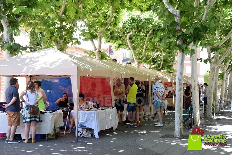 La Asociación Pequeño Comercio de Miguelturra celebró este fin de semana una nueva edición del Comercio y Artesanía en la Calle