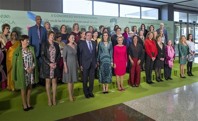 La Reina Letizia con las mujeres rurales en el Congreso Internacional de AFAMMER