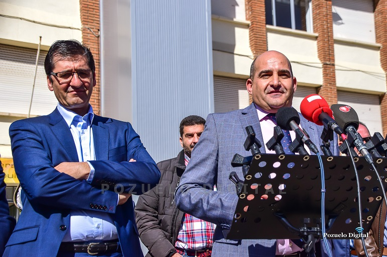 Pozuelo de Calatrava El Presidente de la Diputación de Ciudad Real conoció de primera mano las obras realizadas por el equipo de gobierno en la localidad