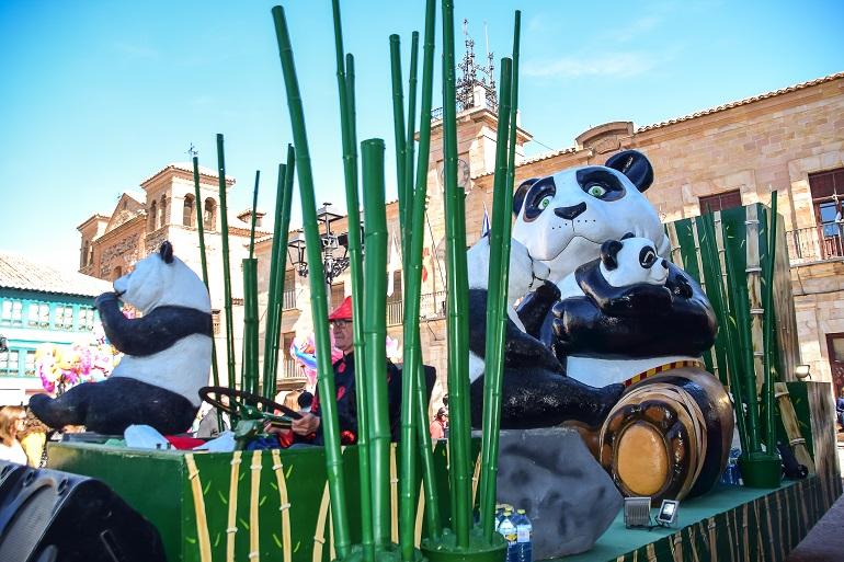 Almagro Harúspice, Amas de Casa de Pozuelo y Las Peñuelas se llevan los tres primeros premios del Desfile de Carrozas y Comparsas 2019