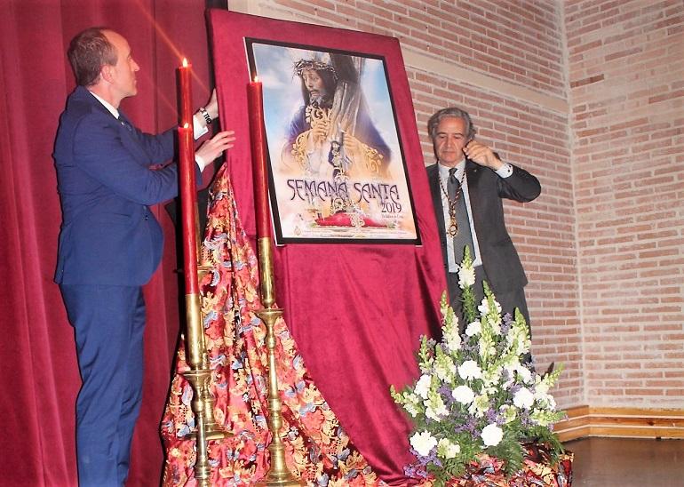 Bolaños presenta su cartel de la Semana Santa 2019 en un emotivo acto