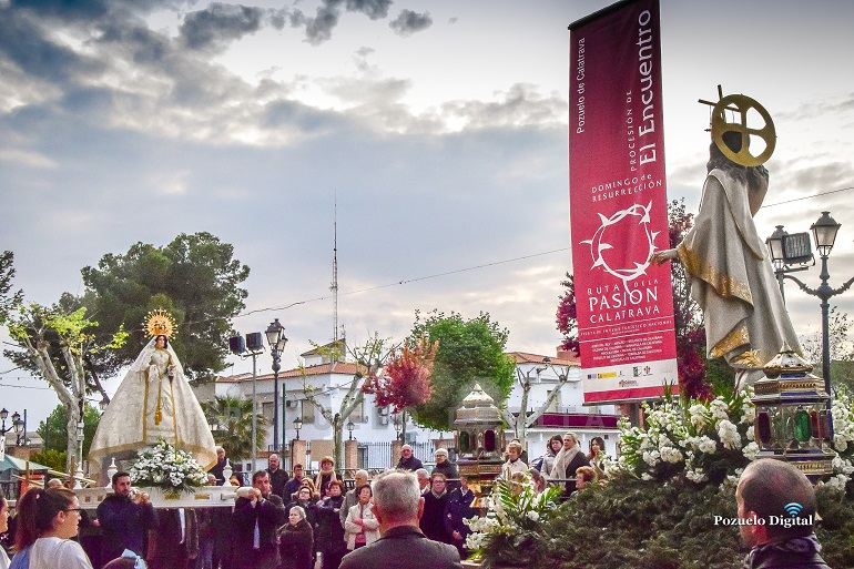 Pozuelo de Calatrava El Encuentro entre Cristo Resucitado y la Virgen del Rosario celebración crucial del último de día de la Semana Santa 2019