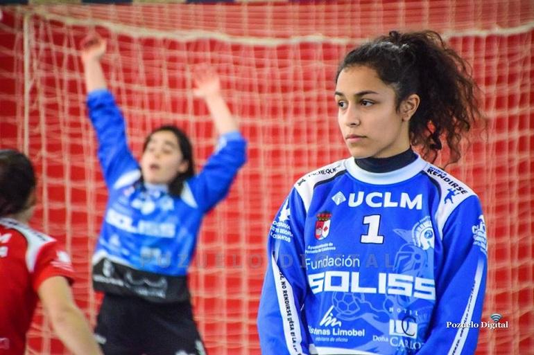 Marina Morales, del Soliss BM Pozuelo, convocada por la selección nacional de balonmano playa para la preparación del europeo de Polonia