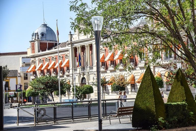 La Diputación Provincial de Ciudad Real ha convocado oposiciones para seis administrativos, un psiquiatra y un arquitecto