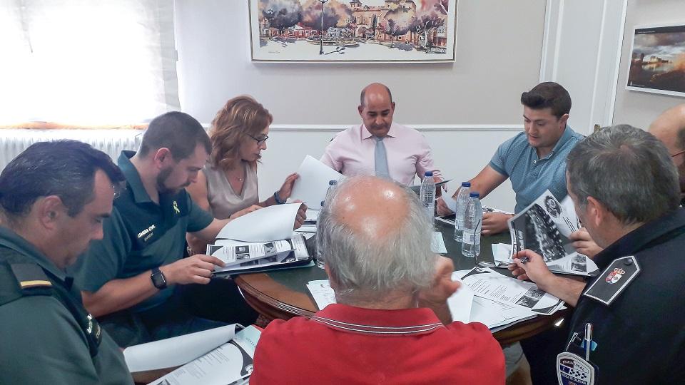 La Subdelegada del Gobierno y el Alcalde de Pozuelo presiden la Junta de Seguridad Local ante la celebración de la Spartan Pozuelo Handball Cup