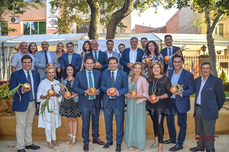 Bolaños inauguró la II Edición de la Feria de la Cebolla reclamando agua y mejores precios