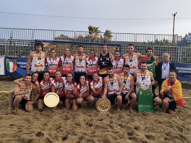 Jimena Laguna medalla de oro al vencer en la Champions Cup 2019 de balonmano playa en Sicilia