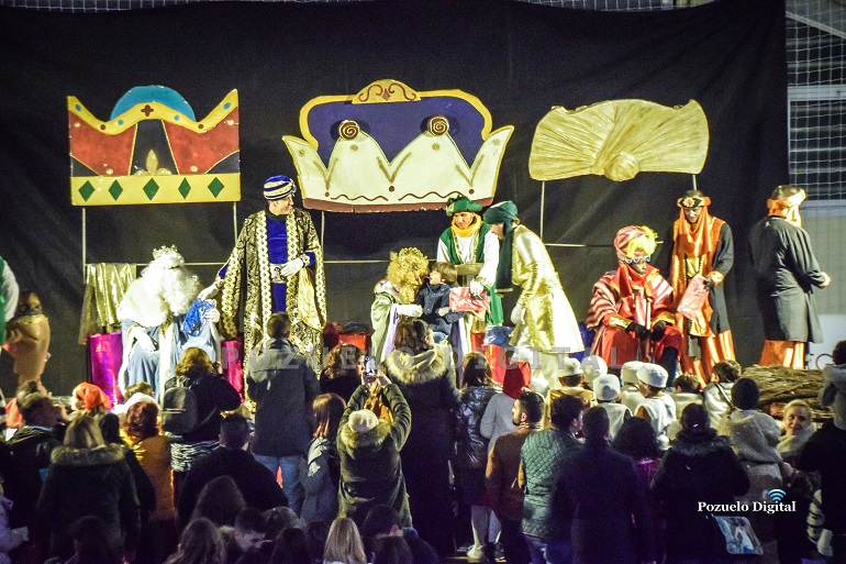 La magia y la ilusión de SSMM los Reyes Magos de Oriente hicieron brillar la noche más mágica del año en Pozuelo de Calatrava